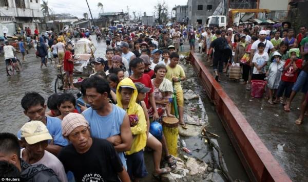 131111-supertyphoon-haiyan-philippines-tacloban-116