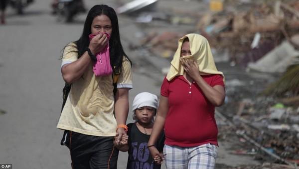131111-typhoon-haiyan-philippines-victims-14
