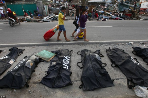 131113-philippines-typhoon-haiyan-tacloban-002