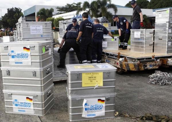 131113-supertyphoon-haiyan-philippines-manila-germany-aids-001