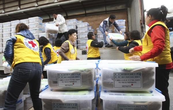 131114-south-korea-aids-philippines-haiyantyphoon-at-seongnam-sk-002