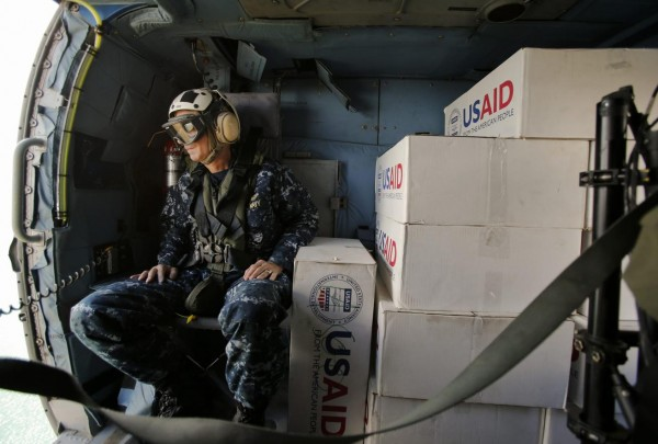 131119-philippines-typhoon-haiyan-us-rear-admiral-hugh-wetherald