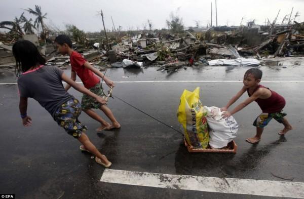 2013nov-philippines-typhoon-haiyan-tacloban