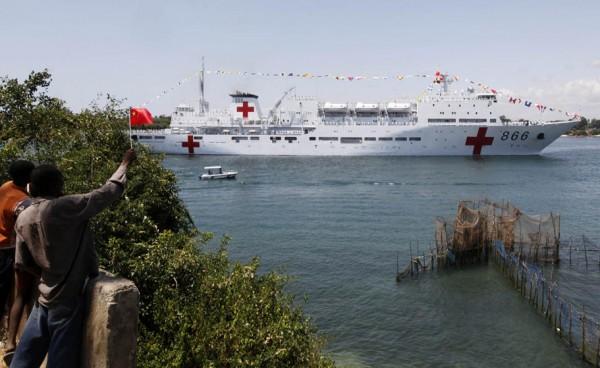 china-hospital-ship-peace-ark-mombasa-kenya-101013