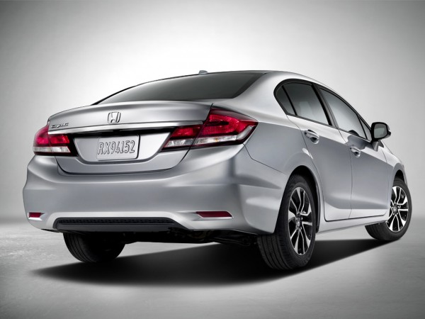 honda-civic-2013-back