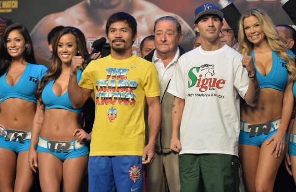131123-philippines-pacquiao-boxer