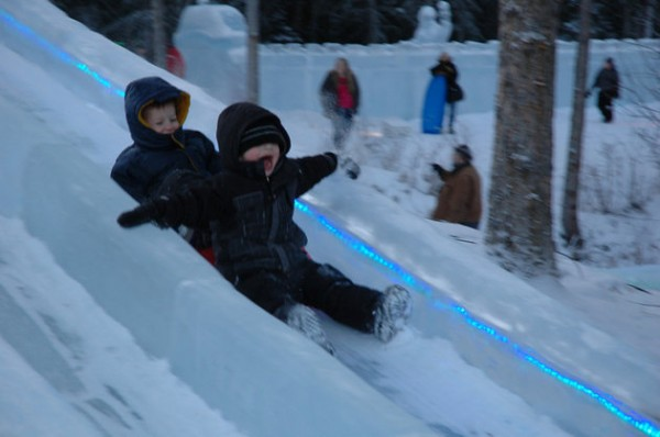 131224-north-pole-ice-park1