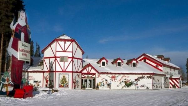 131224-north-pole-santa-claus-house-01