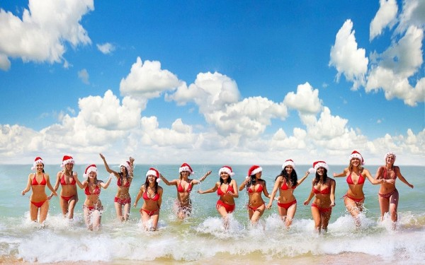 australia-christmas-girls-beach