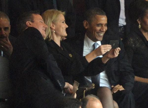 mandela-johannesburg-obama-selfie-131210-d