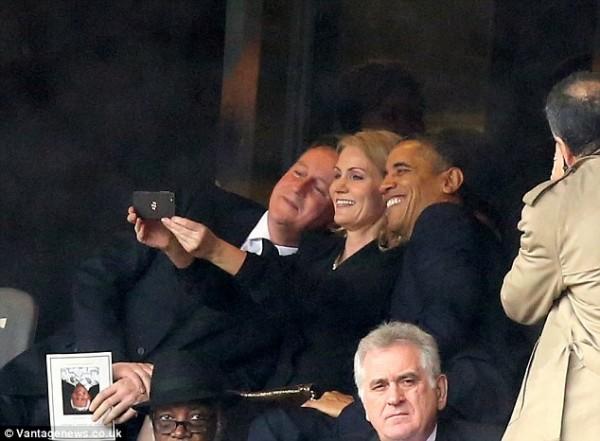 mandela-johannesburg-obama-selfie-131210-e