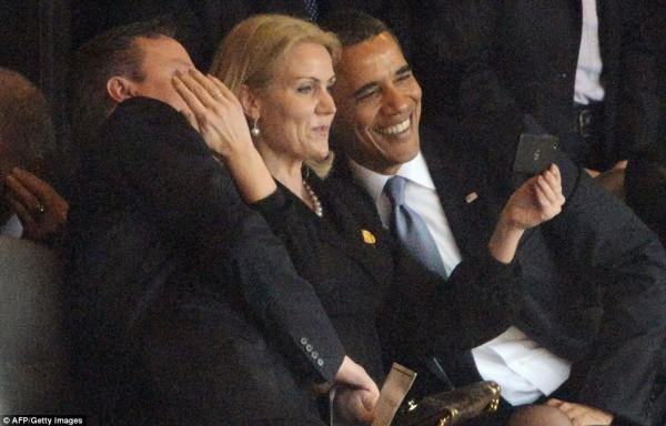 mandela-johannesburg-obama-selfie-131210-f