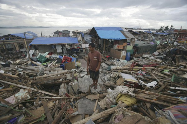 philippines-typhoon-haiyan-tacloban-131207-03