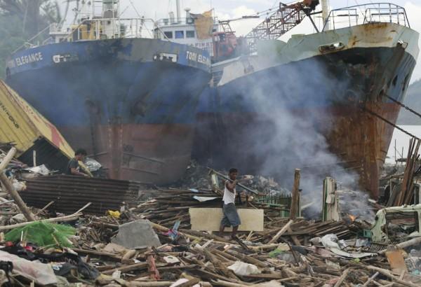 philippines-typhoon-haiyan-tacloban-131207-04