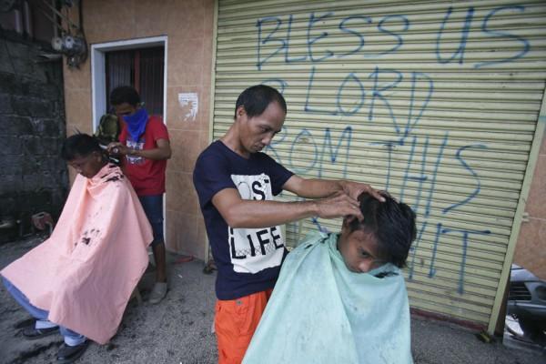 philippines-typhoon-haiyan-tacloban-131208-02