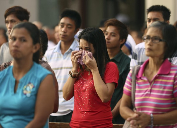 philippines-typhoon-haiyan-tacloban-santo-nino-church-131208-01