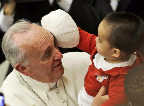 vatican-pope-francis-chidren-vatican-131214=2