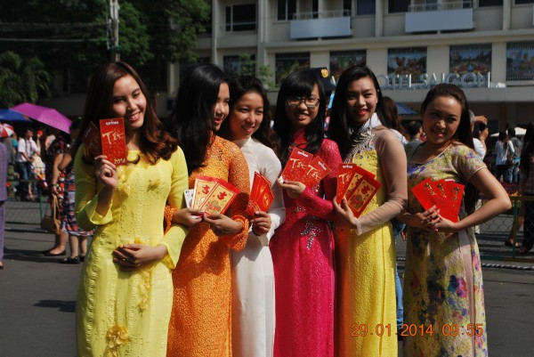 140129-phphuoc-duonghoa-nguyenhue--sg-tetgiapngo-230_resize