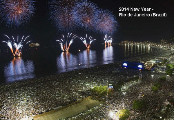 2014-new-year-fireworks-brazil-rio-de-janeiro-2