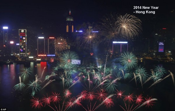 2014-new-year-fireworks-hongkong-2