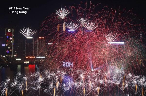 2014-new-year-fireworks-hongkong
