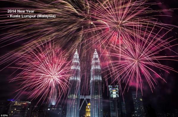 2014-new-year-fireworks-kuala-lumpur