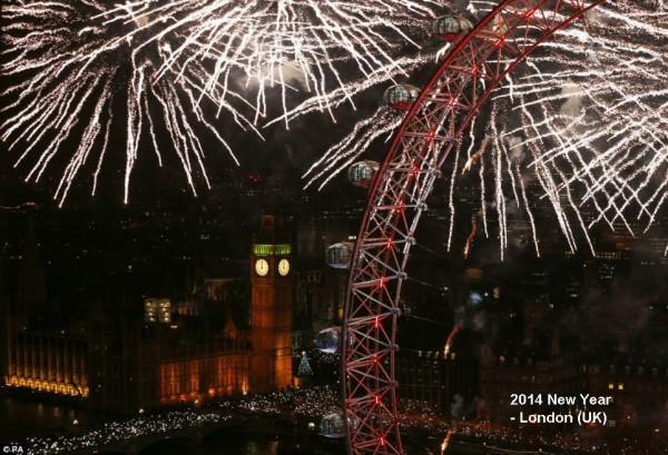 2014-new-year-fireworks-london-04