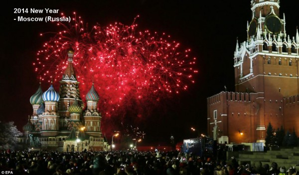 2014-new-year-fireworks-moscow-red-square-2