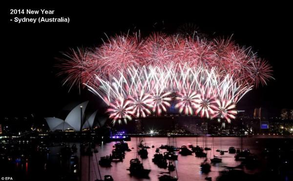 2014-new-year-fireworks-sydney-3