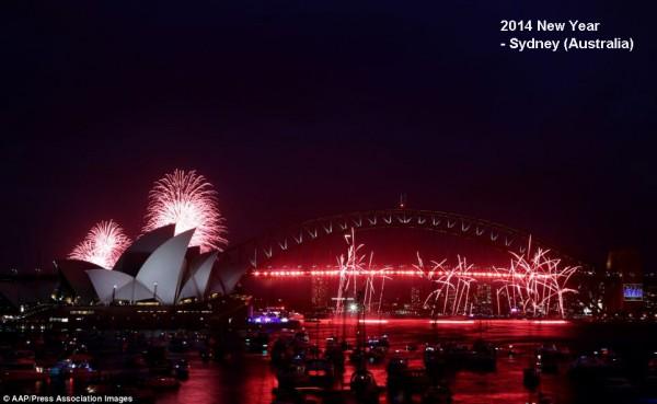 2014-new-year-fireworks-sydney-4