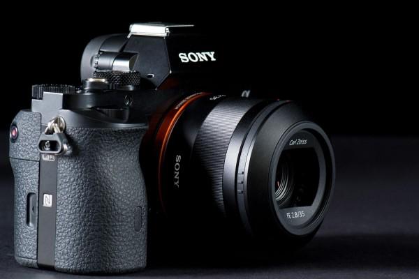 Sony-Alpha-A7R
