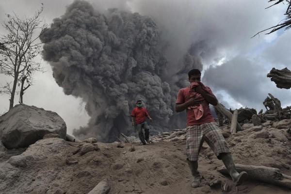 140201-indonesia-volcano-04