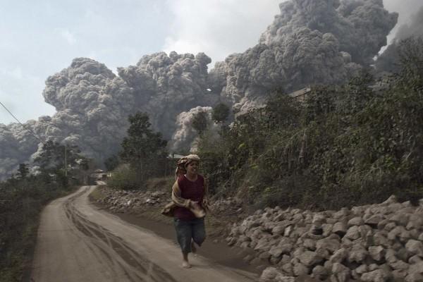 140201-indonesia-volcano-05