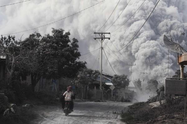 140201-indonesia-volcano-06