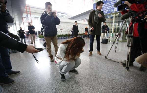 140308-missing-flight-kualalumpur-beijing-airport-02