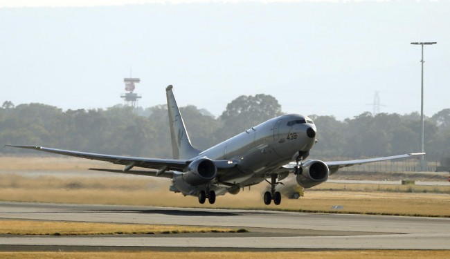 140413-mh370-us-p8-takeoff-perth-01