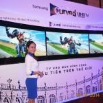 TV Samsung màn hình cong ư, còn có những đường cong mềm mại hơn thế nữa