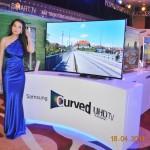 Samsung đưa TV Ultra HD màn hình cong đầu tiên trên thế giới tới thị trường Việt Nam