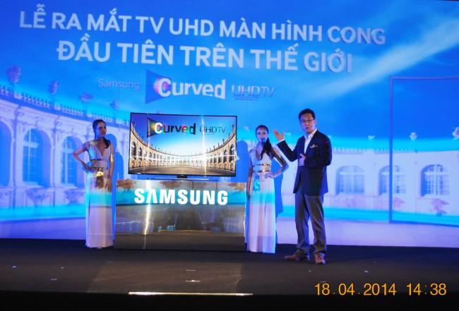 140418-phphuoc-samsung-curved-uhdtv-danang-106_resize