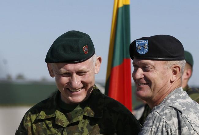 140426-us-army-come-lithuania-10-lithuania-defence-chief-pocius-us-chief-longo