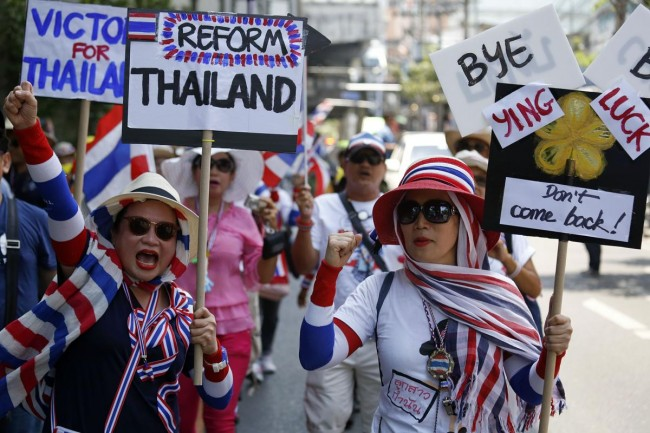 140508-thailand-anti-yingluck