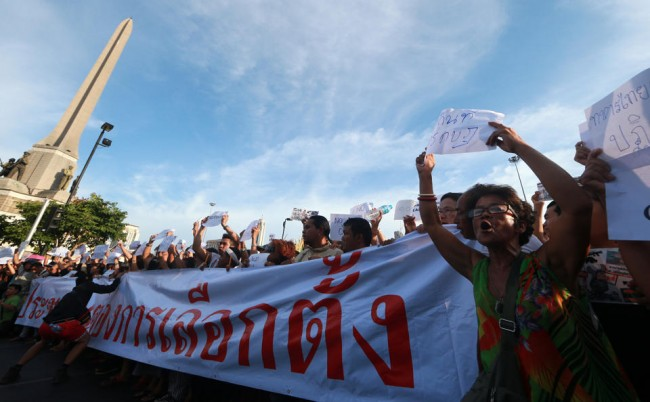 140524-thailiand-coup-anti-coup-03