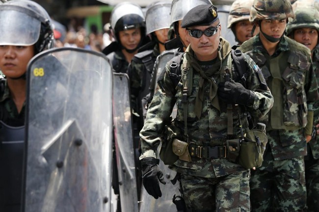 140524-thailiand-coup-anti-coup-14