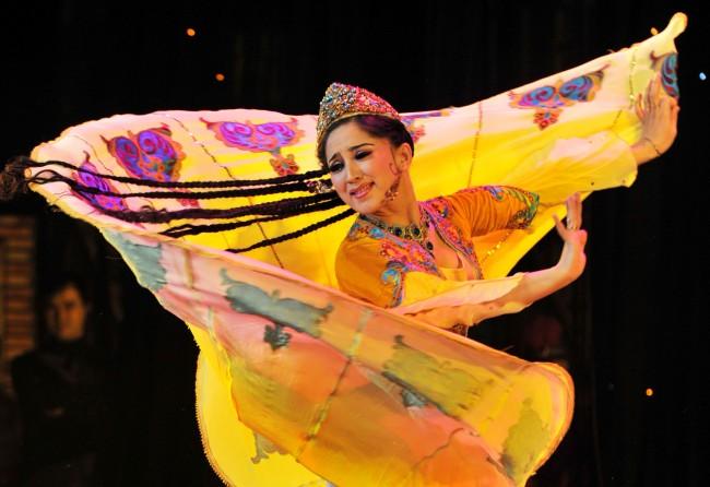 Uighur-women-03
