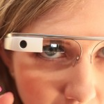 Không hề là vô duyên cớ khi bạn sợ bị Google Glass quay lén…