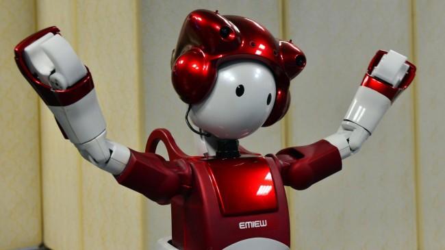 hitachi-EMIEW2-robot-03