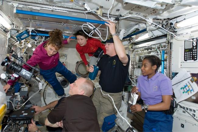 news nasa shuttle mission 150410