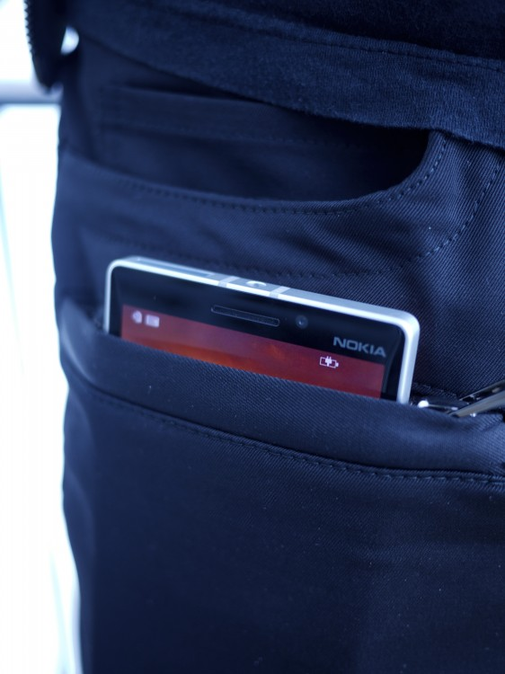 Wireless-charging-trousers-Adrien Sauvage