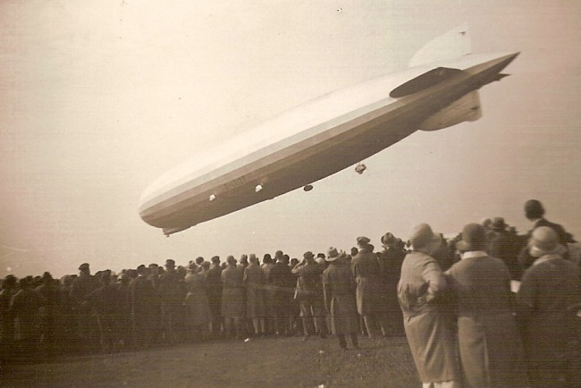 Zeppelin-LZ127-airship