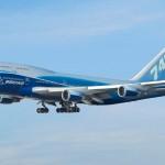 Máy bay Boeing B747 đang chia tay bầu trời